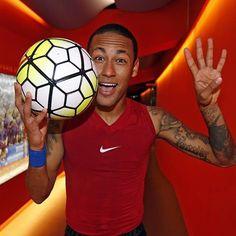 One, two, three, four, Neymar Jr!  Un, dos, tres, quatre, Neymar Jr! ¡Un, dos, tres, cuatro, Neymar Jr!  #FCBRayo #Neymar #FCBlive @neymarjr @fcbarcelona ⚽️⚽️⚽️⚽️