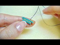 Brick stitch (shaped stitch) 2 stitches, 2 stitches and more stitches How to Brick stitch - Brick stitch [shaped stitch] 2 stitches and 2 stitches or more How to Brick stitch Beading Tutorials, Beading Patterns, Bead Jewellery, Beaded Jewelry, Beaded Necklace, Beaded Rings, Beaded Bracelets, Brick Stitch Tutorial, Yarn Crafts