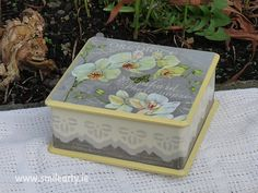 Handmade, unique box for jewellery, hairpins or any type of small accessories. It's the perfect gift for the sensual young girls and women. Dublin, Orchids, Decoupage, Decorative Boxes, Unique, Handmade Gifts, Home Decor, Kid Craft Gifts, Decoration Home