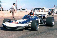 O alemão Rolf Stommelen teve boas performances guiando o Surtees TS9 gp_inglaterra_1971