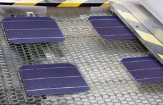 "Photo: Suniva  TOP OF THE LINE: The efficiency of solar modules lags that of the record-setting cells that companies produce. But ""flagship lines"" like those incorporating Suniva's ARTisun Select cells offer better performance—for a price."