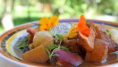 Foto: Carina Ahlskog / YLE Ciabatta, Potato Salad, Potatoes, Meat, Chicken, Ethnic Recipes, Food, Potato, Essen