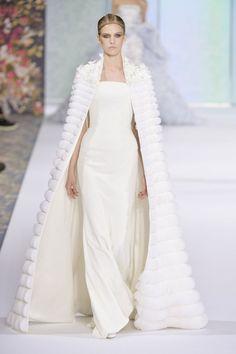 Robe de mariée haute couture Ralph & Russo automne-hiver 2016-2017