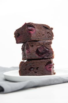 These vegan Yogurt Brownies are much healthier than other recipes! I've added cherries, but feel free to add chocolate chips, other fruits or peanut butter! It's the perfect basic vegan brownie recipe for variations! Vegan Dessert Recipes, Vegan Sweets, Brownie Recipes, Vegan Recipes Easy, Vegan Food, Healthy Food, Simply Recipes, Other Recipes, Sweet Recipes