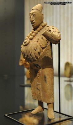 16 Santiago - Musée précolombien | Pompanon.fr Inka, Art Premier, Mesoamerican, Masks Art, Culture Travel, Tribal Art, American Art, Archaeology, Sculpture Art
