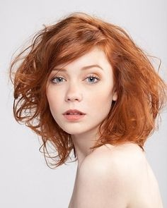 The amber toned colours used compliment the models hair and eye colour.