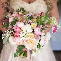 Couldn't imagine a sweeter bride holding this bouquet! @lesliechristinexo #tulipina