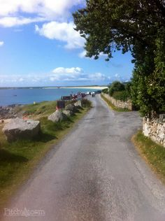 Gurteen Bay Caravan and Camping Park, Connemara - Pitchup® Connemara Ireland, Galway Ireland, Ireland Travel, Oh The Places You'll Go, Places To Visit, Images Of Ireland, England And Scotland, Republic Of Ireland, Dream Vacations