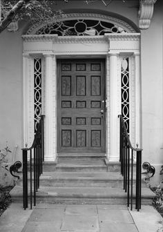 Alston House detail view of E front door - Edmondston-Alston House - Wikipedia, the free encyclopedia