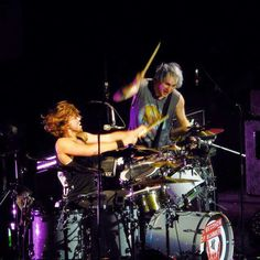 Ashton and Michael on stage 💞