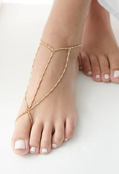 Update your spring style with this fun foot chain! #springdetails