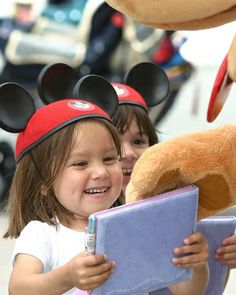 10 Tips for Taking Your Kids to Disneyland I Family Travel - ParentMap