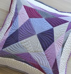 How to choose machine quilting designs - tips to make your choice easier; printable sheets for practicing free motion quilting are included.