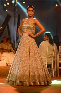 Ever wondered what do Manish Malhotra lehengas cost? Check out MM lehenga, saree, anarkali prices. Anarkali, Lehenga, Saree, Manish Malhotra, Industrial Style, Bollywood, Formal Dresses, Designers, Fashion