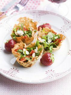 Muffins croquants au parmesan & salade d'épinards