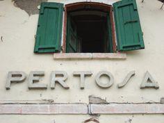 Stazione di Pertosa sulla tratta ferroviaria dismessa Sicignano - Lagonegro