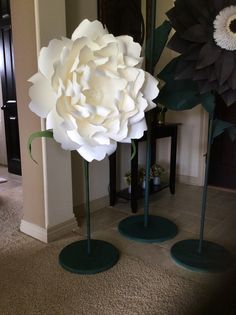 Giant paper flowers on stems These beautiful by PaperstoPetals