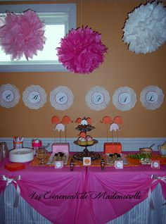 Sweet and salty table for a baby girl shower. Theme : orange, fuchsia and elephant <3