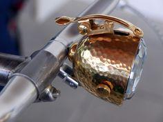 valentinitsch-design_vienna-bellelight_heineken-ridentity-project_integrated-headlight-bell_side