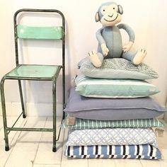 Meneer Aap is op zoek naar een fijn huisje! #viacannellacuijk #woonwinkel #kinderwinkel #knuffel #stoel #linum #kussens #stapelgoed #kinderkamer #babykamer