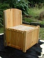Link (plus documentation) to medieval furniture, garb, weapons, etc. Very cool site! My expanded idea: Hinge the back-rest to fold down for easy packing, and hinge the seat for box storage access. - make a model? Viking House, Viking Age, Diy Wood Projects, Projects To Try, Middle Ages Clothing, Medieval Furniture, Viking Reenactment, Viking Culture, Viking Clothing