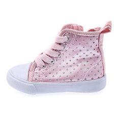 Zapatos para niñas en todos los modelos en realización
