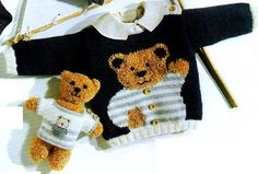 Ma belle-mère avait tricoté ce pull pour mon fils. Oui, je sais, j'ai de la chance d'avoir une belle-mère qui adore tricoter. Le résultat était superbe : Le pull rose au nounours Le pull poule Knitting For Kids, Baby Knitting, Crochet Baby, Knit Crochet, Tricot Baby, Pull Gris, Cardigan Bebe, Knitting Patterns, Crochet Patterns