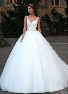 Glamorous Tulle V-Neck Neckline Ball Gown Wedding Dresses With Lace Appliques