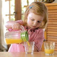 Have you ever wondered what Montessori is? Interested in learning about Maria Montessori and the Montessori Philosophy, This is Perfect for you. Montessori Education, Montessori Classroom, Montessori Materials, Montessori Activities, Homeschool Curriculum, Homeschooling, Toddler Learning Activities, Preschool Lessons, Infant Activities
