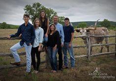Family Portraits - Family Portrait Ideas - Family Pictures - Portraits Family Portraits