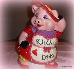 The kitchen diva pig cookie jar.