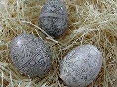 Set of 3 TRAVLENKI, etched chicken eggshells, MooCarOf Set No1