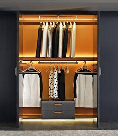 Contemporary wardrobe by Antonio Citterio - BACKSTAGE - BB Italia