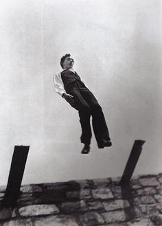 Jacques Henri Lartigue – a French photographer and painter. Yvonne Printemps, Robert Bresson, Defying Gravity, Anti Gravity, Beatnik, French Photographers, First Photograph, Rise Above, Vintage Photographs
