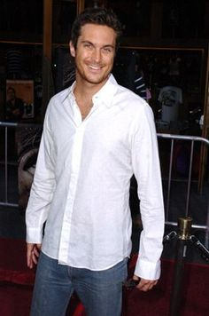 Oliver Hudson from Rules of Engagement.
