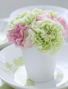 Arreglo floral de primavera con claveles #DecorarConFlores