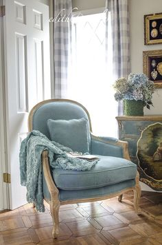 French home decor, french country decorating, french country farm French Home Decor, French Country Decorating, French Furniture, Shabby Chic Furniture, Furniture Nyc, Industrial Furniture, Furniture Ideas, French Country Bedrooms, French Chairs