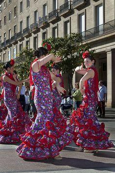 Bailando Sevillanas, Sevilla, España