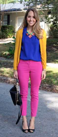 Pairing yellow - Mustard cardigan, blue top and pink pants / Cardigan moutarde, top bleu et pantalon rose Pink Pants Outfit, Pink Outfits, Colourful Outfits, Colorful Fashion, Cool Outfits, Casual Outfits, Trouser Outfits, Cardigan Outfits, Blouse Outfit