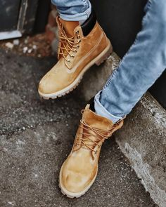 Ever wondered how to cuff your jeans with Timberland Boots? Check out - Boots Cheap Mens Fashion, Mens Boots Fashion, Womens Fashion Stores, Fashion Clothes, Hijab Fashion, Fashion Outfits, Timberland Outfits Men, Timberland Stiefel Outfit, Timberland Mens