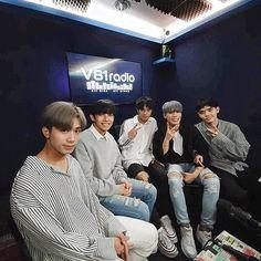Korean Entertainment Companies, Cute Emoji Wallpaper, Boy Groups, Husband, Entertaining, Album, Pop, My Love, Pictures