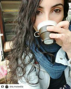 Buenos días!!! 7:15 am: es hora del café  #Repost @dra.molestia (@get_repost)  No necesitamos suerte si tenemos café.  #coffee #morning #buenosdías##lomásnaturalposible#coffeetime#coffeelover#brownieriamorenobrownie#brownieriaambulante#brownies#browniescontoppings#reposteríaartesanal#artesano#artesanal#baking#homemade#saturday#sábado#fun#lifestyle#bogotá
