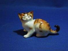 Vintage Royal Doulton Sitting Crouching Calico Tabby Cat Kitten.