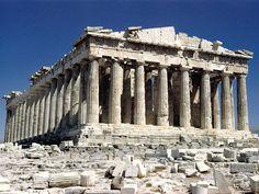 (2) Exemplo da arquitetura grega. O Partenon foi um templo da deusa grega Atena construído em Atenas. É o mais conhecido dos edifícios remanescentes da Grécia Antiga e foi ornado com o melhor da arquitetura grega.