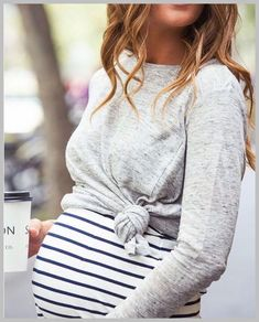 Trendy Maternity Wear - Umstandsmode - # Schwangerschaftsmode You are in the right place about Baby Cute Maternity Outfits, Stylish Maternity, Maternity Wear, Maternity Looks, Maternity Styles, Maternity Clothes Spring, Maternity Shirts, Maternity Clothing, Spring Maternity Fashion