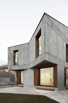 mp house in sesma ~ alcolea + tárrago arquitectos