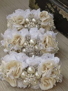 White And Gold Flower Corsage Brooch wrist corsage ivory