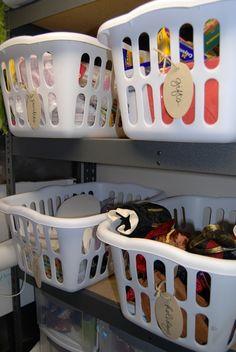 Organization by basket #Storage #organization     http://www.laladecor.com/