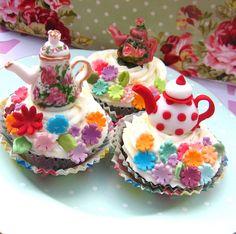 Teapot Cupcakes