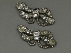 Two identical rhinestone bow brooches by Eisenberg, cast white metal with handset clear rhinestones, USA ca. 1930s - Private Collection -